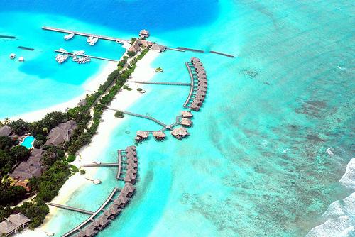 Eroon pikavipeistä... häipymällä Malediiveille? (Flickr: nattu)